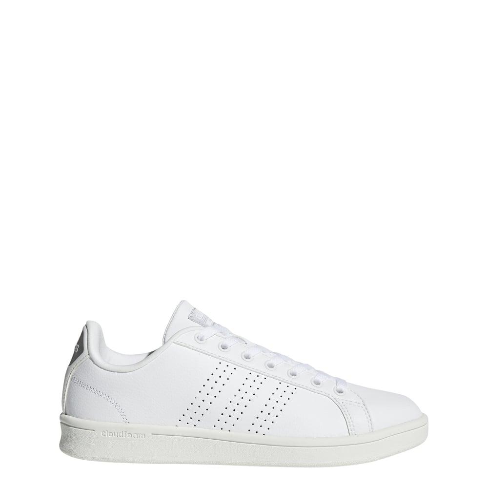 Adidas  mujer cloudfoam ventaja limpiar zapatos en blanco Excell