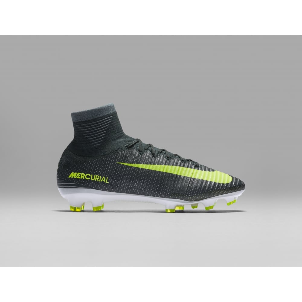 nike mercurial superfly v cr7 fg nike from excell sports uk. Black Bedroom Furniture Sets. Home Design Ideas