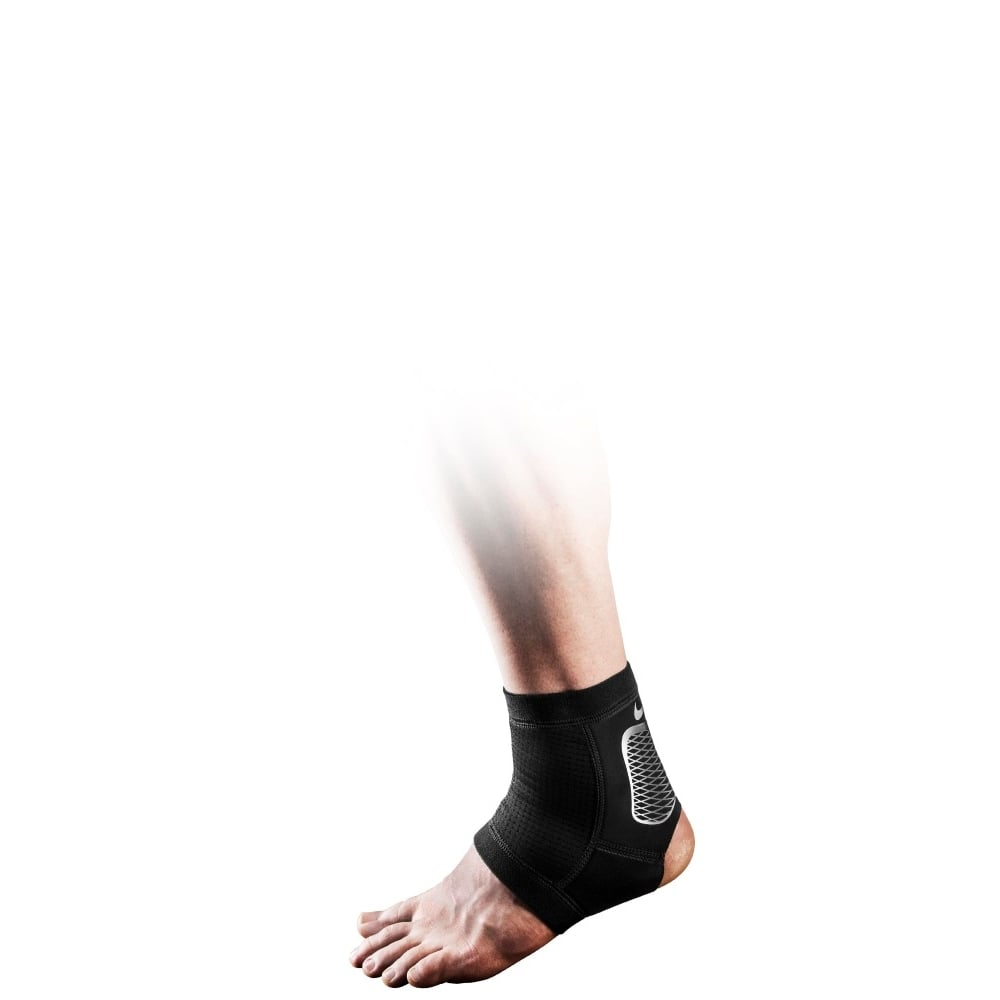 Nike Pro Hyperstrong Ankle Sleeve 2.0 in Black Silver  395a20c0c